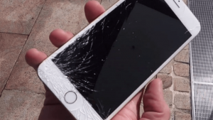 How-much-cost-to-repair-Apple-iPhone-6s-broken-display-screen-in-India-300x169 Display iPhone SE